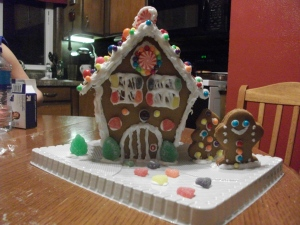 gingerbread house 002