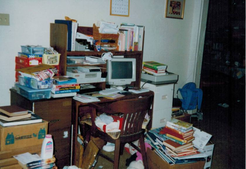 mom writer desk